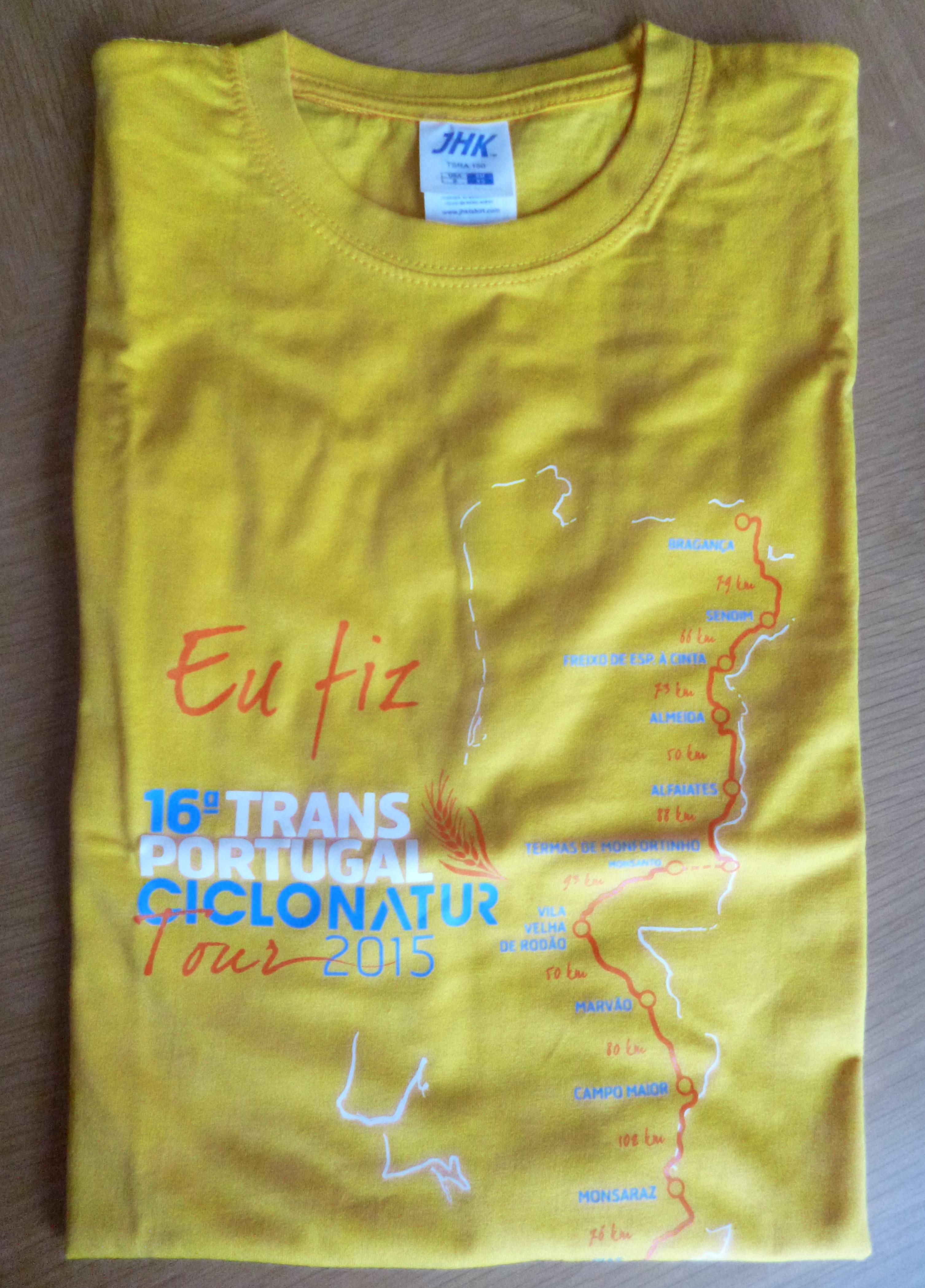 T-shirt estampada com transfer de serigrafia