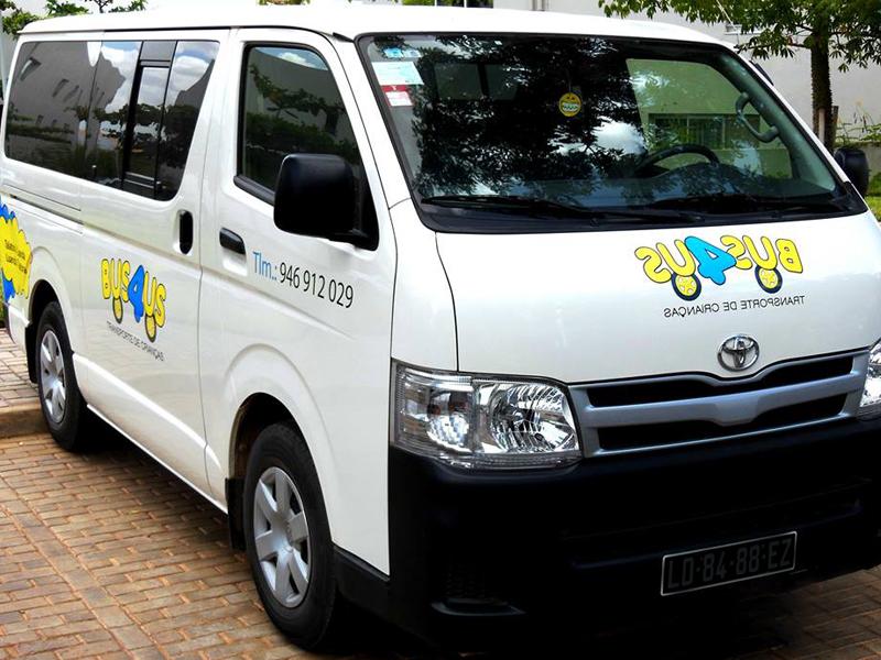 Carrinha para Transporte de Crianças em Angola